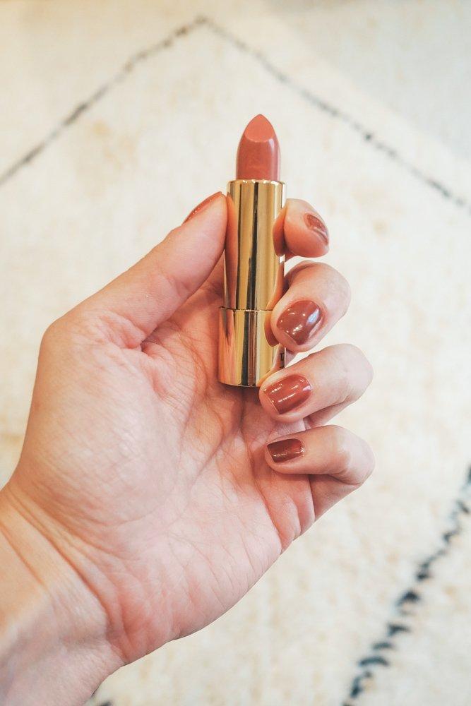 Emolyne: Matching Lipstick and Nail Polish