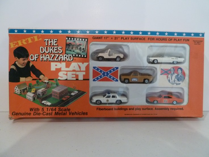 Ertl Playset - General Lee, Cooter's Pickup, Dixie, Caddy, Patrol Car