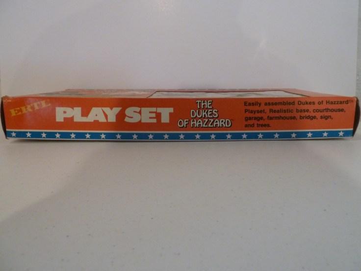 Ertl Playset - General Lee, Cooter's Pickup, Dixie, Caddy, Patrol Car