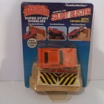 General Lee Stunt Buster with Crash Wall