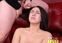 facial_abuse_hooters_014