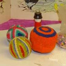 Eksempler på bolde fra Dansk Legetøjsmuseum i Christiansfeld!