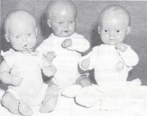 Typer som disse 3 kære Strampelchen-babyer på hhv. 35 og 40 cm blev fremstillet gennem hele perioden op til 1950!