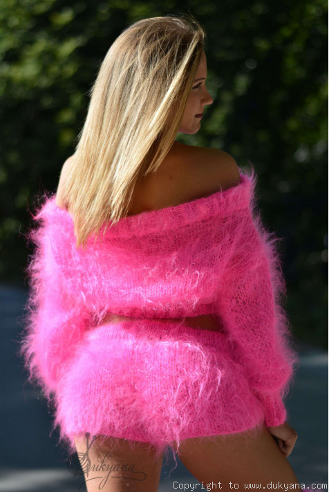 Fuzzy Mohair Set In Hot PinkS26