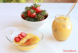 Natillas falsas con compota casera de piña y fresas