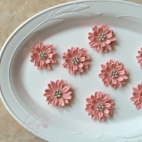 How To Make Daisies With Fondant And Gum Paste