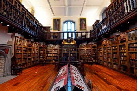 Interior of Cosin's Library looking East (Image courtesy of Durham University). The gallery was added in 1834 to house additional collections and to allow observers to attend university ceremonies.