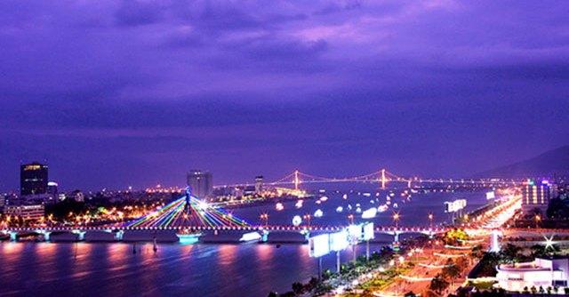 Kinh nghiệm du lịch Đà Nẵng - Khung cảnh Đà Nẵng về đêm