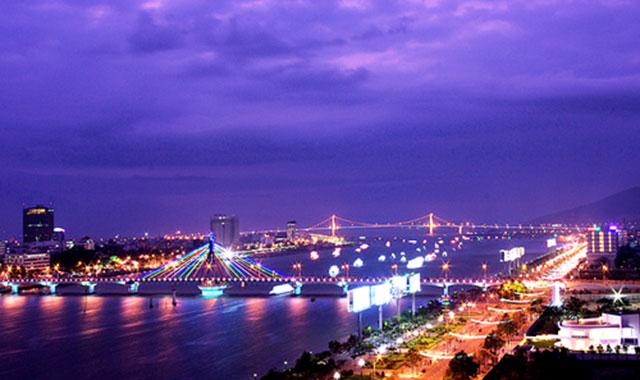 Kinh nghiệm du lịch Đà Nẵng tự túc dịp 30/4 - Khung cảnh Đà Nẵng về đêm