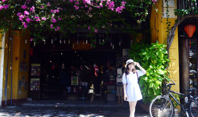Dạo chơi phổ cổ Hội An là một trong những điểm đến khi đi du lịch Đà Nẵng dịp lễ 30/4