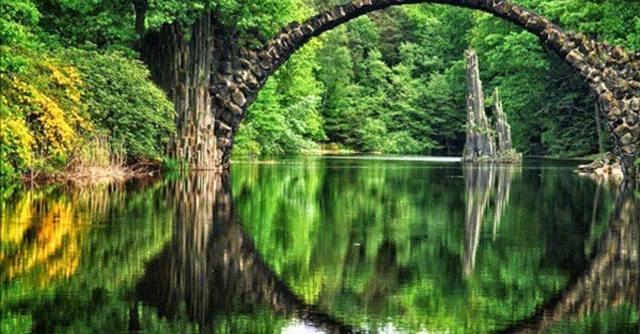 Cầu Rakotz Đức, một trong 7 cây cầu độc đáo nhất thế giới