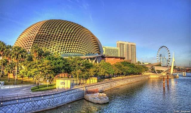 Nhà hát quả sầu riêng Singapore