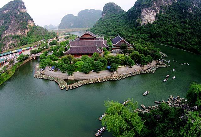 MV Bánh trôi nước Hoàng Thùy Linh Khiến bạn muốn xách ba lô lên và đi