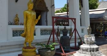 den-tham-ngoi-chua-wat-yannawa-doc-nhat-vo-nhi-tai-thai-lan-4