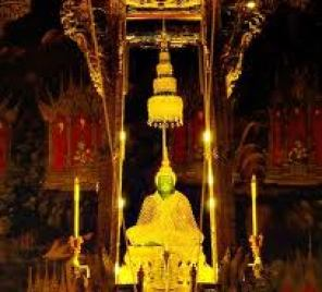 tham-quan-ngoi-chua-wat-phra-kaew-tai-thai-lan-5