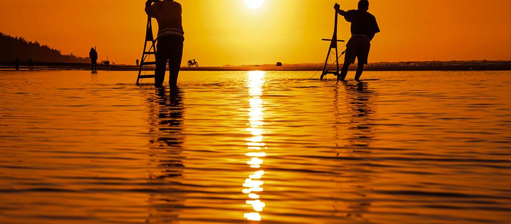 Ngắm bình minh trên biển Hồ Tràm
