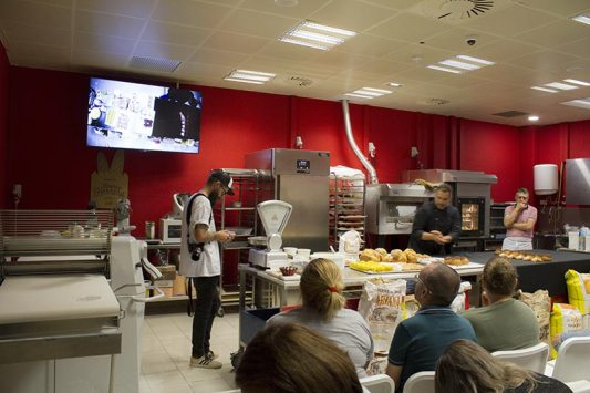 Jornadas de Panadería, Molinos del Duero, en el Obrador Federico Herrera, aula formativa de Comercial Dulpan, localizado en e el Polígono Industrial de Güímar, Tenerife.