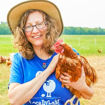 Lucie Amundsen with Chicken