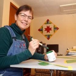 Photo of Duluth Folk School instructor Jill Dalbacka