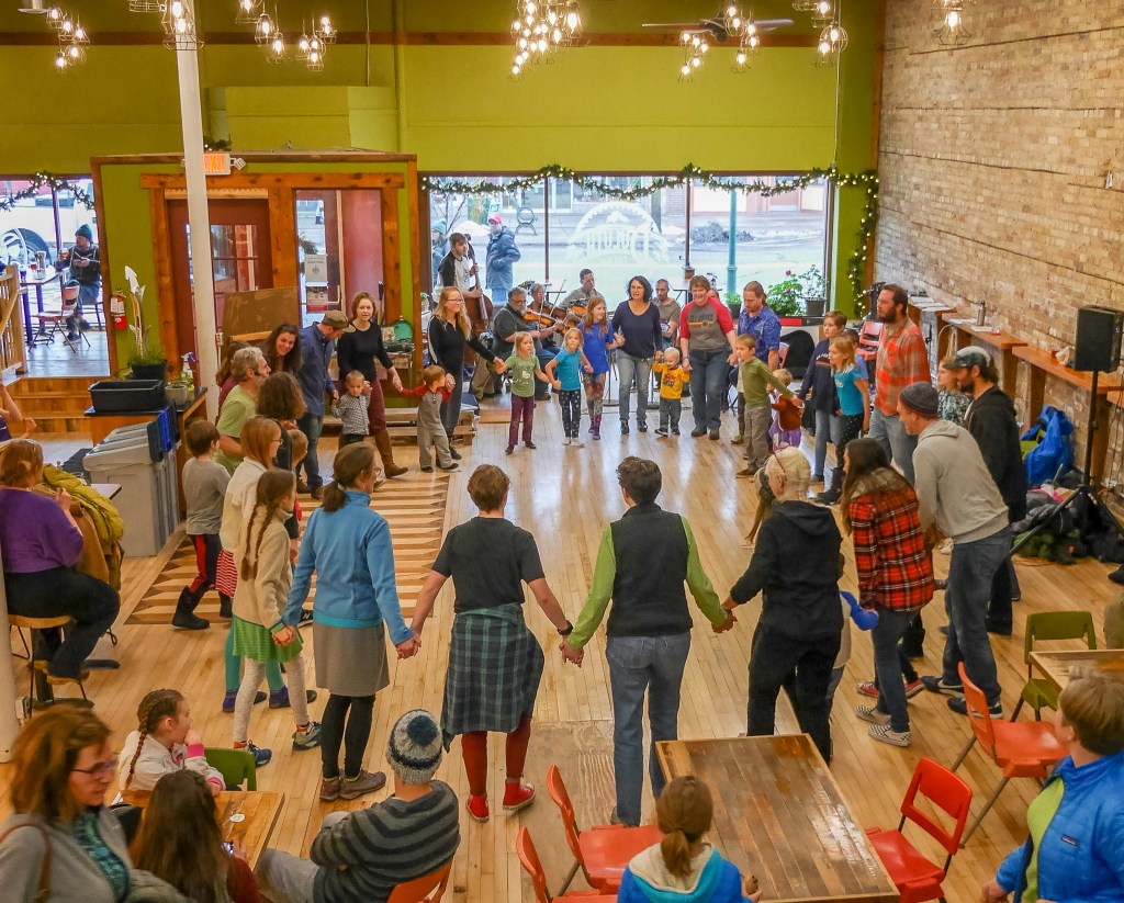 Family Dancing at the Duluth Folk School