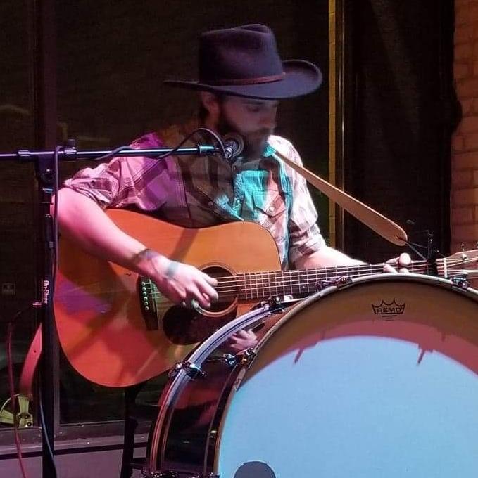 Steven Sola Jr at the Duluth Folk School