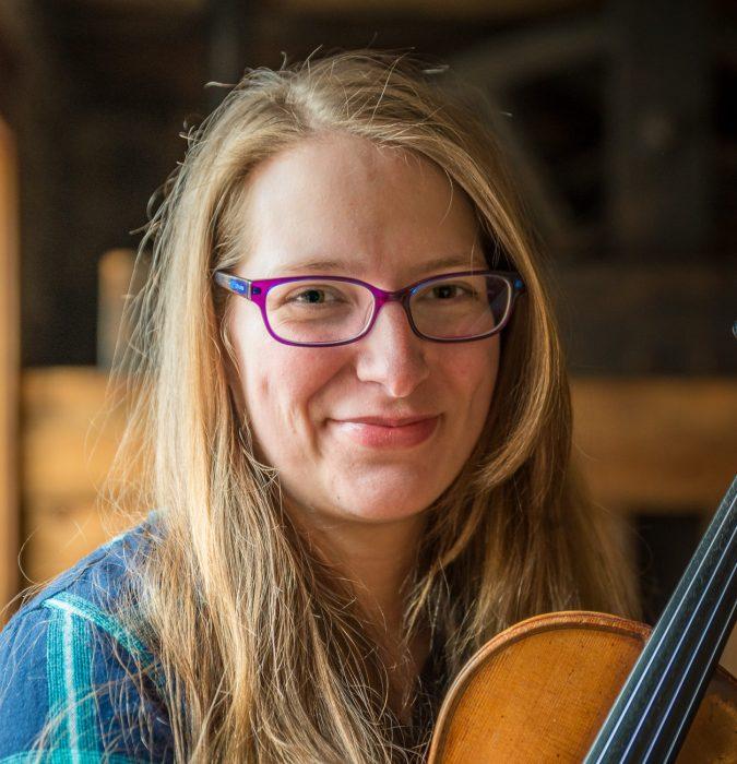Fiona Robinson at the Duluth Folk School