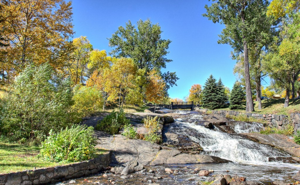 Lincoln Park Hike with the Duluth Folk School