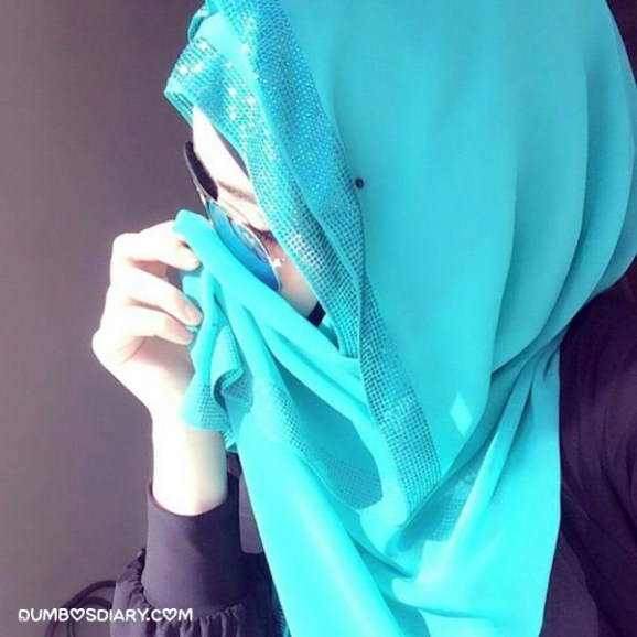 Pretty girl in hijab wearing sunglass