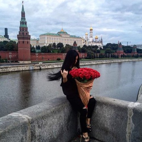 girl-on-port-with-roses