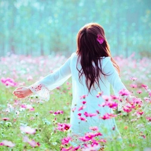 Cute pictures of pretty flower girls dp for social media cute girl in garden of pink flowers mightylinksfo
