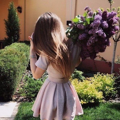 cute-smart-girl-with-bouquet