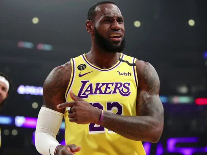 NBA: LeBron James renova contrato com Los Angeles Lakers por 2 anos