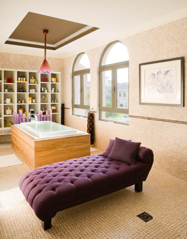 Interior Photograph of a bathroom suite in an Emirates Hills villa, Dubai