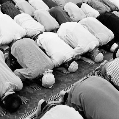 Worshipers at the Jumeriah mosque in Dubai praying on a Friday during Ramadan