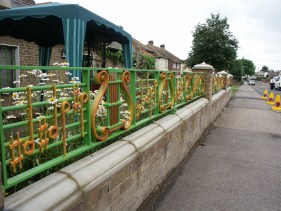 Henry Dagg: Musical railings and gates at Biscuit House