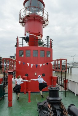 Daisy Farris and Nicola Flower: 'The Great Thames Disaster' performed on LV21 ©Gigi Giannella