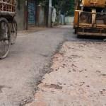 সোনারগাঁয়ে সড়ক সংস্কারে অনিয়মের অভিযোগ