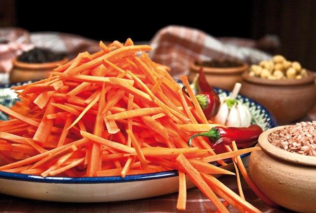 нарезка моркови для плова по-фергански