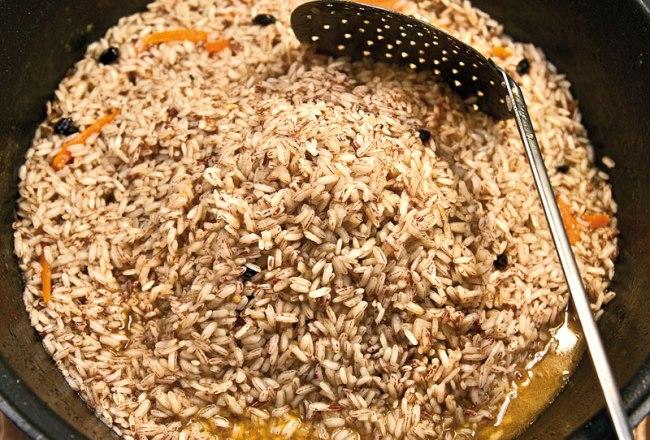 варка риса в зирваке