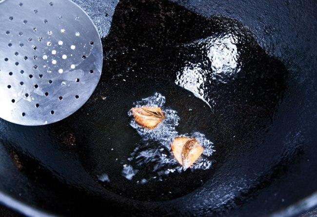 ароматизация масла для подливы чесноком