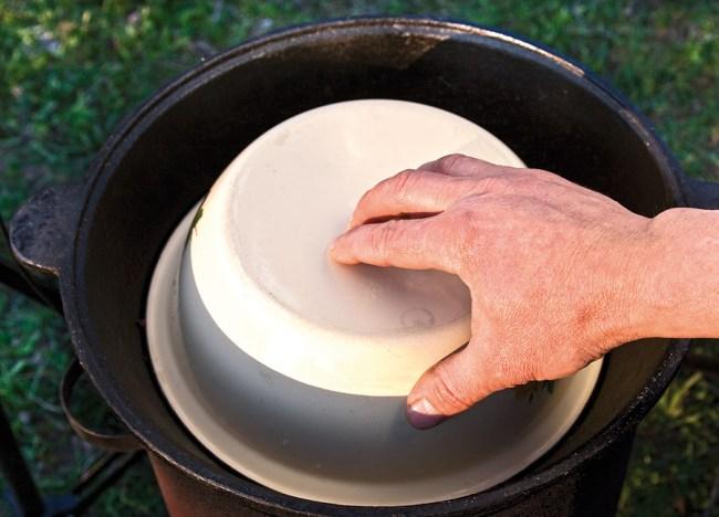 куполообразная крышка на казан при приготовлении казан-кебаба