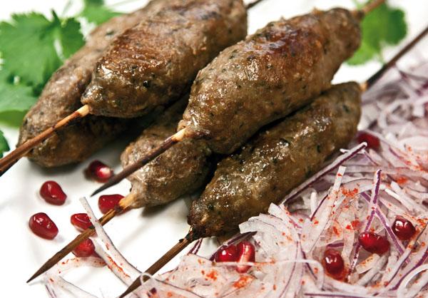 люля-кебаб, приготовленный в духовке