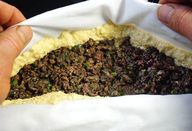 формирование пирога с помощью салфетки - другой край