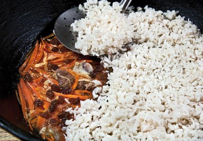 закладка риса в плов софи