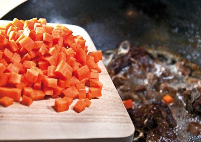 добавление к мясу моркови для шавли