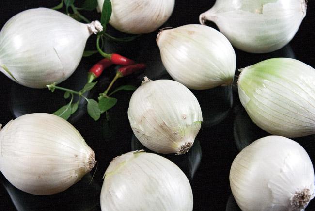 лук для приготовления узбекского лукового супа пиёва