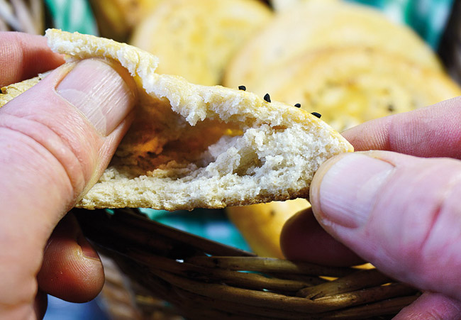 структура узбекской лепешки, приготовленной на закваске