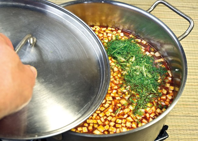 доведение до готовности сборной овощной солянки
