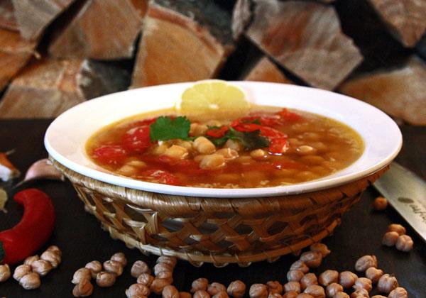 сервировка и подача постного горохового супа
