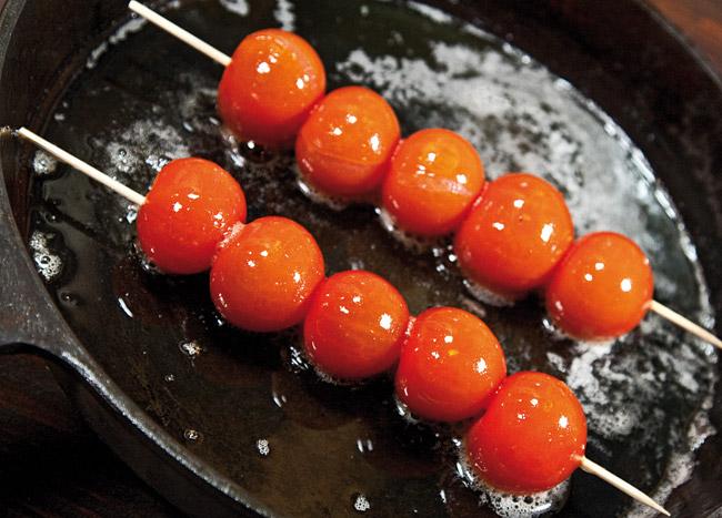 обжарка мелких помидоров для бифштекса без крови